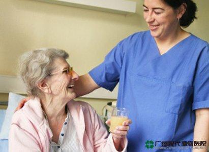Nenek berusia 70 tahun yang berisiko terkena kanker mendapatkan pertolongannya di Modern Hospital