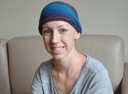 Pengobatan Minimal Invasif, Membuatku Memiliki Iman Untuk Mengatasi Kanker Serviks Stadium 4B Yang Menyebar Ke Paru-Paru